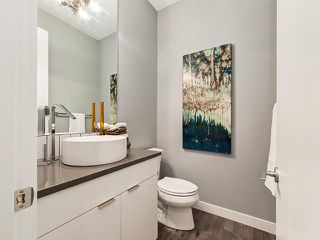 Photo 9: 2327 53 Avenue SW in Calgary: North Glenmore House for sale : MLS®# C3652518