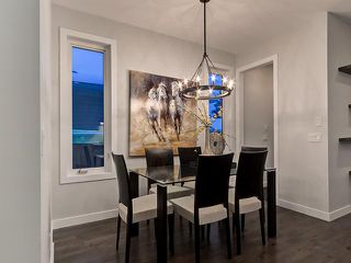 Photo 7: 2327 53 Avenue SW in Calgary: North Glenmore House for sale : MLS®# C3652518