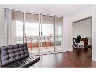 "Photo 11: 1505 1065 QUAYSIDE Drive in New Westminster: Quay Condo for sale in ""QUAYSIDE TOWER II"" : MLS®# V1106783"