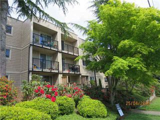 "Photo 2: 104 1121 HOWIE Avenue in Coquitlam: Central Coquitlam Condo for sale in ""THE WILLOWS"" : MLS®# R2002247"