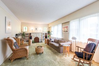 Photo 3: 220 FIFTH Avenue in New Westminster: Queens Park House for sale : MLS®# R2035537