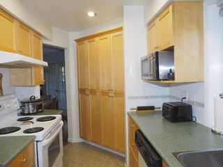 "Photo 9: 214 2320 W 40TH Avenue in Vancouver: Kerrisdale Condo for sale in ""MANOR GARDENS"" (Vancouver West)  : MLS®# R2061277"