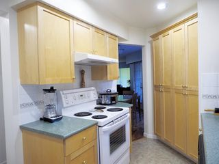 "Photo 7: 214 2320 W 40TH Avenue in Vancouver: Kerrisdale Condo for sale in ""MANOR GARDENS"" (Vancouver West)  : MLS®# R2061277"