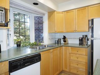 "Photo 8: 214 2320 W 40TH Avenue in Vancouver: Kerrisdale Condo for sale in ""MANOR GARDENS"" (Vancouver West)  : MLS®# R2061277"
