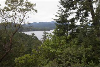 Photo 1: 6863 SEAVIEW Road in Sechelt: Sechelt District House for sale (Sunshine Coast)  : MLS®# R2078685