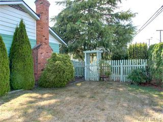 Photo 11: 10417 Finch Pl in SIDNEY: Si Sidney North-East House for sale (Sidney)  : MLS®# 744414
