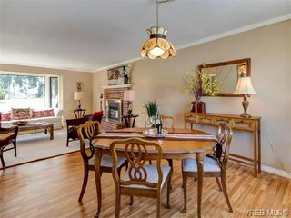 Photo 2: 10417 Finch Pl in SIDNEY: Si Sidney North-East House for sale (Sidney)  : MLS®# 744414