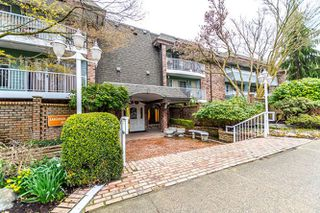 "Photo 1: 313 3875 W 4TH Avenue in Vancouver: Point Grey Condo for sale in ""LANDMARK JERICHO"" (Vancouver West)  : MLS®# R2156496"