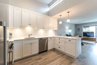 """Photo 8: 313 3875 W 4TH Avenue in Vancouver: Point Grey Condo for sale in """"LANDMARK JERICHO"""" (Vancouver West)  : MLS®# R2156496"""