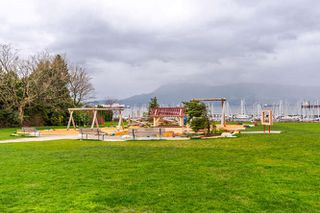 """Photo 16: 313 3875 W 4TH Avenue in Vancouver: Point Grey Condo for sale in """"LANDMARK JERICHO"""" (Vancouver West)  : MLS®# R2156496"""