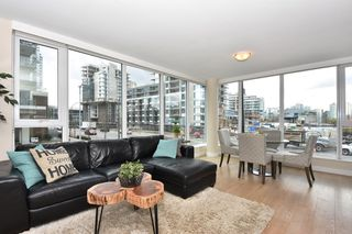 "Photo 2: 205 1618 QUEBEC Street in Vancouver: Mount Pleasant VE Condo for sale in ""CENTRAL"" (Vancouver East)  : MLS®# R2158155"