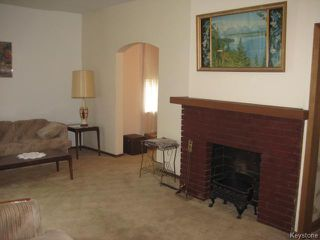 Photo 3: 161 Helmsdale Avenue in Winnipeg: East Kildonan Residential for sale (3C)  : MLS®# 1715945