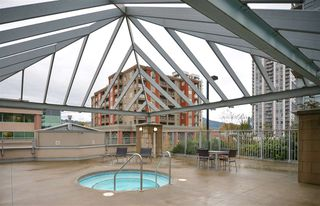 Photo 13: 1207 2978 GLEN DRIVE in Coquitlam: North Coquitlam Condo for sale : MLS®# R2119601
