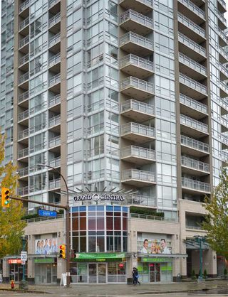 Photo 20: 1207 2978 GLEN DRIVE in Coquitlam: North Coquitlam Condo for sale : MLS®# R2119601