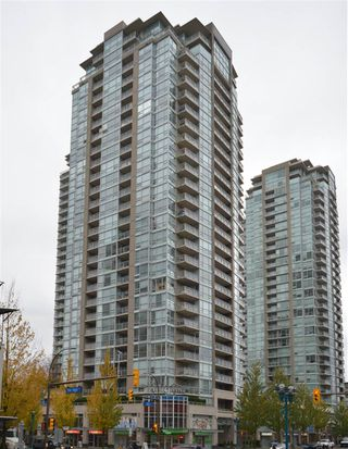 Photo 1: 1207 2978 GLEN DRIVE in Coquitlam: North Coquitlam Condo for sale : MLS®# R2119601