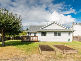 Photo 8: 2001 VALLEY VIEW DRIVE in COURTENAY: CV Courtenay East House for sale (Comox Valley)  : MLS®# 770574