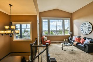 "Photo 2: 23679 BRYANT Drive in Maple Ridge: North Maple Ridge House for sale in ""Rock Ridge"" : MLS®# R2209556"