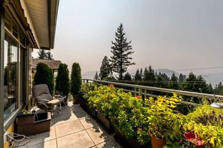 """Photo 3: 8571 SEASCAPE Lane in West Vancouver: Howe Sound Townhouse for sale in """"Seascapes"""" : MLS®# R2215232"""