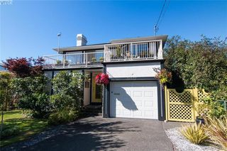 Main Photo: 10372 Allbay Road in SIDNEY: Si Sidney North-East Single Family Detached for sale (Sidney)  : MLS®# 385227