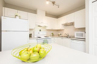 """Photo 15: 508 1128 SIXTH Avenue in New Westminster: Uptown NW Condo for sale in """"Kingsgate"""" : MLS®# R2230394"""