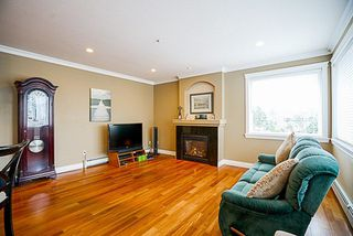 Photo 6: 872 PARKER Street: White Rock House for sale (South Surrey White Rock)  : MLS®# R2231330