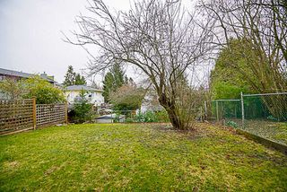 Photo 19: 872 PARKER Street: White Rock House for sale (South Surrey White Rock)  : MLS®# R2231330
