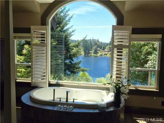 Photo 4: 1035 Loch Glen Place in VICTORIA: La Glen Lake Residential for sale (Langford)  : MLS®# 359159