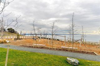 Photo 3: 304 611 Brookside Road in VICTORIA: Co Latoria Condo Apartment for sale (Colwood)  : MLS®# 389292