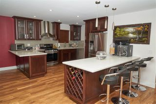 Photo 2: 704 DEASE Place in Coquitlam: Coquitlam East House for sale : MLS®# R2252413