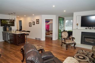 Photo 8: 704 DEASE Place in Coquitlam: Coquitlam East House for sale : MLS®# R2252413