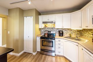 "Photo 12: 606 301 MAUDE Road in Port Moody: North Shore Pt Moody Condo for sale in ""Heritage Grand"" : MLS®# R2260187"