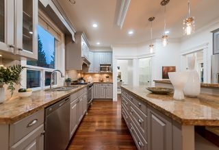 Photo 11: 969 BELVEDERE Drive in North Vancouver: Canyon Heights NV House for sale : MLS®# R2274922