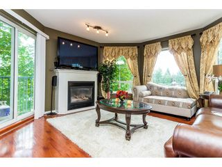 "Photo 4: 302 2435 CENTER Street in Abbotsford: Central Abbotsford Condo for sale in ""CEDAR GROVE PLACE"" : MLS®# R2276093"
