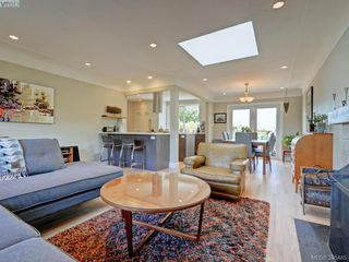 Photo 4: 1941 Carnarvon Street in VICTORIA: SE Camosun Single Family Detached for sale (Saanich East)  : MLS®# 395485