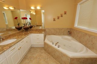 Photo 17: 526 FALCONER Place in Edmonton: Zone 14 House for sale : MLS®# E4128589