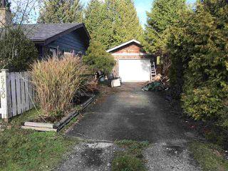 Photo 2: 5730 PEBBLES Crescent in Sechelt: Sechelt District House for sale (Sunshine Coast)  : MLS®# R2323525