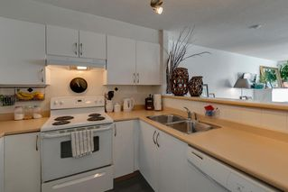"Photo 10: 204 38003 SECOND Avenue in Squamish: Downtown SQ Condo for sale in ""SQUAMISH POINTE"" : MLS®# R2327288"