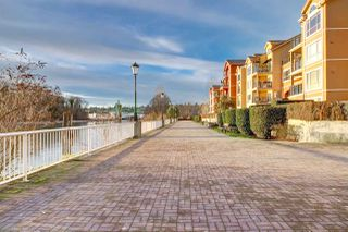 "Photo 5: 411 6 RENAISSANCE Square in New Westminster: Quay Condo for sale in ""RIALTO"" : MLS®# R2330938"