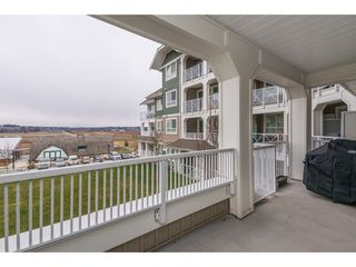"""Photo 17: 205 16398 64 Avenue in Surrey: Cloverdale BC Condo for sale in """"THE RIDGE AT BOSE FARMS"""" (Cloverdale)  : MLS®# R2339810"""