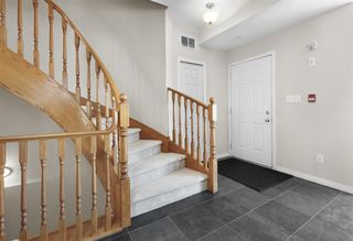 Photo 4: 9217 98 Avenue in Edmonton: Zone 18 Townhouse for sale : MLS®# E4146330