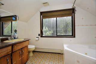 """Photo 10: 12738 AINSWORTH Street in Mission: Stave Falls House for sale in """"STEELHEAD"""" : MLS®# R2356978"""