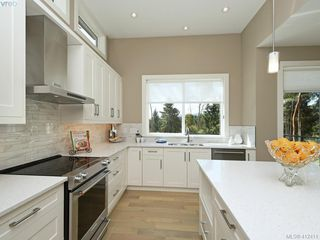 Photo 5: 2905 Empress Avenue in COBBLE HILL: ML Cobble Hill Single Family Detached for sale (Malahat & Area)  : MLS®# 412411