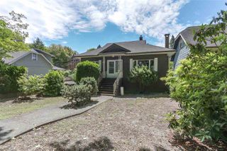 Photo 2: 836 W 22ND Avenue in Vancouver: Cambie House for sale (Vancouver West)  : MLS®# R2383129