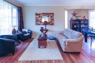 Photo 5: 4 GRANDIN Lane: St. Albert House for sale : MLS®# E4166911