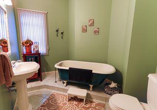 Photo 14: 4 GRANDIN Lane: St. Albert House for sale : MLS®# E4166911