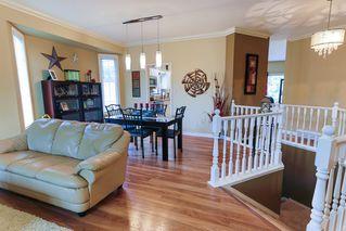 Photo 3: 4 GRANDIN Lane: St. Albert House for sale : MLS®# E4166911