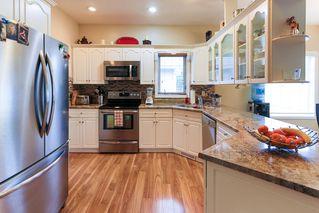 Photo 7: 4 GRANDIN Lane: St. Albert House for sale : MLS®# E4166911