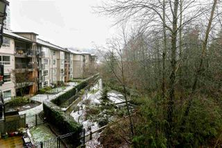 Photo 8: 303 700 KLAHANIE Drive in Port Moody: Port Moody Centre Condo for sale : MLS®# R2428342