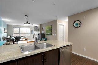 Photo 11: 303 700 KLAHANIE Drive in Port Moody: Port Moody Centre Condo for sale : MLS®# R2428342