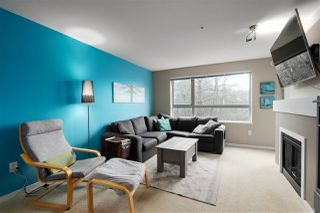 Photo 4: 303 700 KLAHANIE Drive in Port Moody: Port Moody Centre Condo for sale : MLS®# R2428342